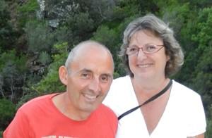 Serge et Nadia Bompard, apiculteurs à Roussas dans la Drome proposent leurs gites à la location